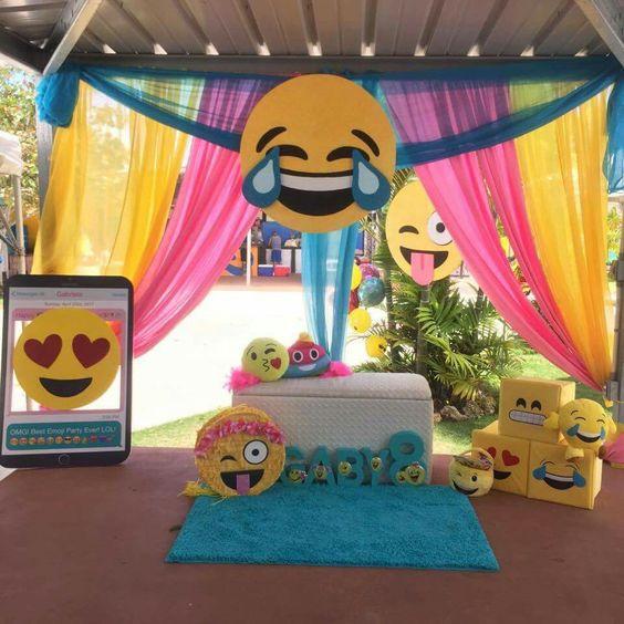 Emoji Birthday Decorations  30 Emoji Birthday Party Ideas Pretty My Party Party Ideas