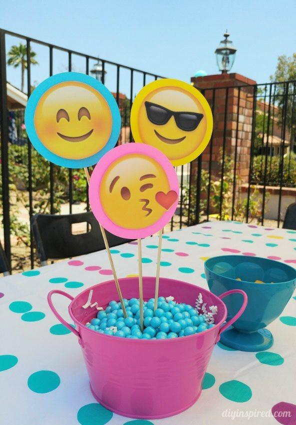 Emoji Birthday Decorations  Emoji Birthday Party Ideas DIY Inspired