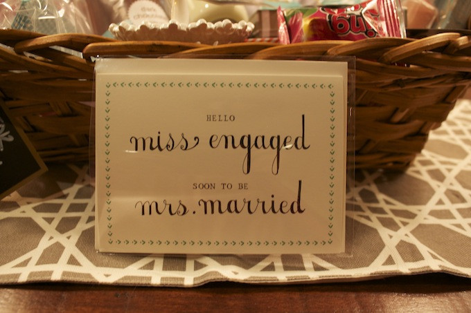 Engagement Gift Ideas For Couples  How To Engagement Gift Basket Hosting & ToastingHosting