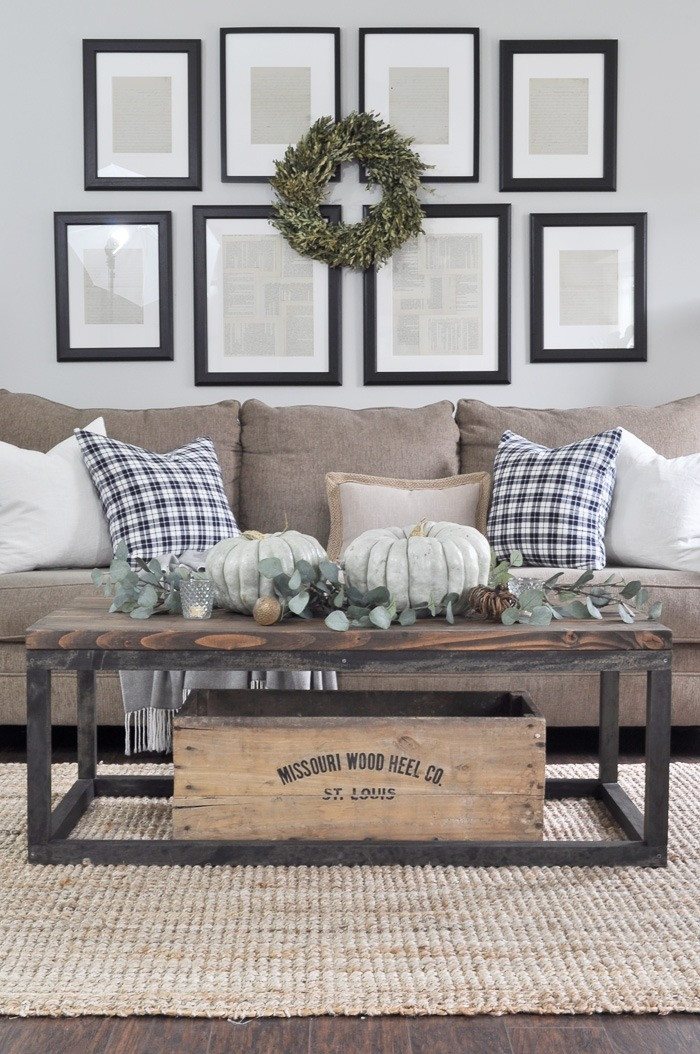 farmhouse room decor 27 rustic farmhouse living room decor ideas for your home homelovr 27 Rustic Farmhouse Living Room Decor Ideas for Your Home