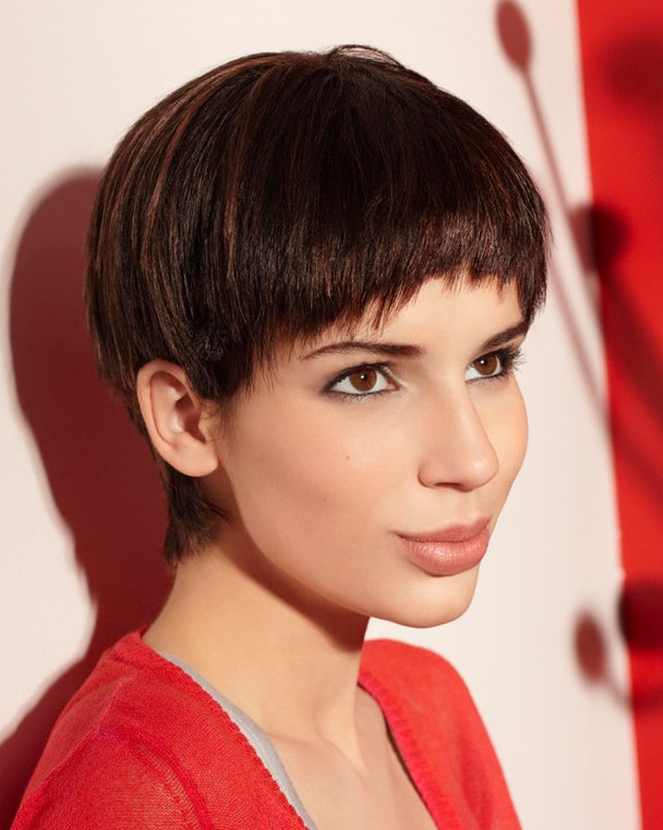 Female Bowl Haircuts  Cute Short Bowl Haircut for Women – Short Cut with Bangs