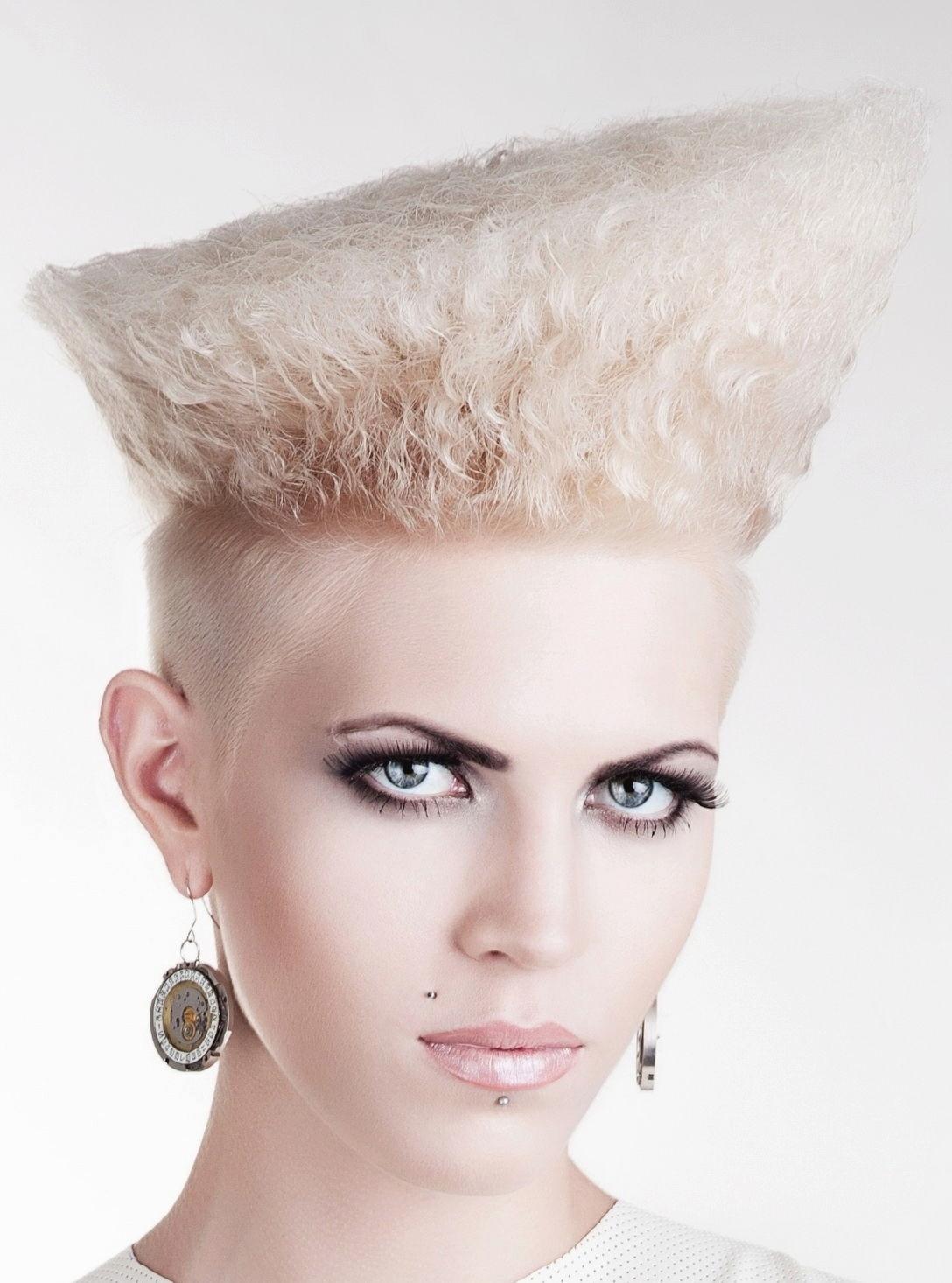 Female Undercut Hairstyles  Women Undercut Hairstyle
