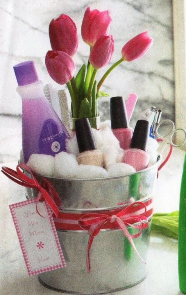 Gift Basket Ideas For Girls  DIY Mothers Day Gift Baskets to Make at Home