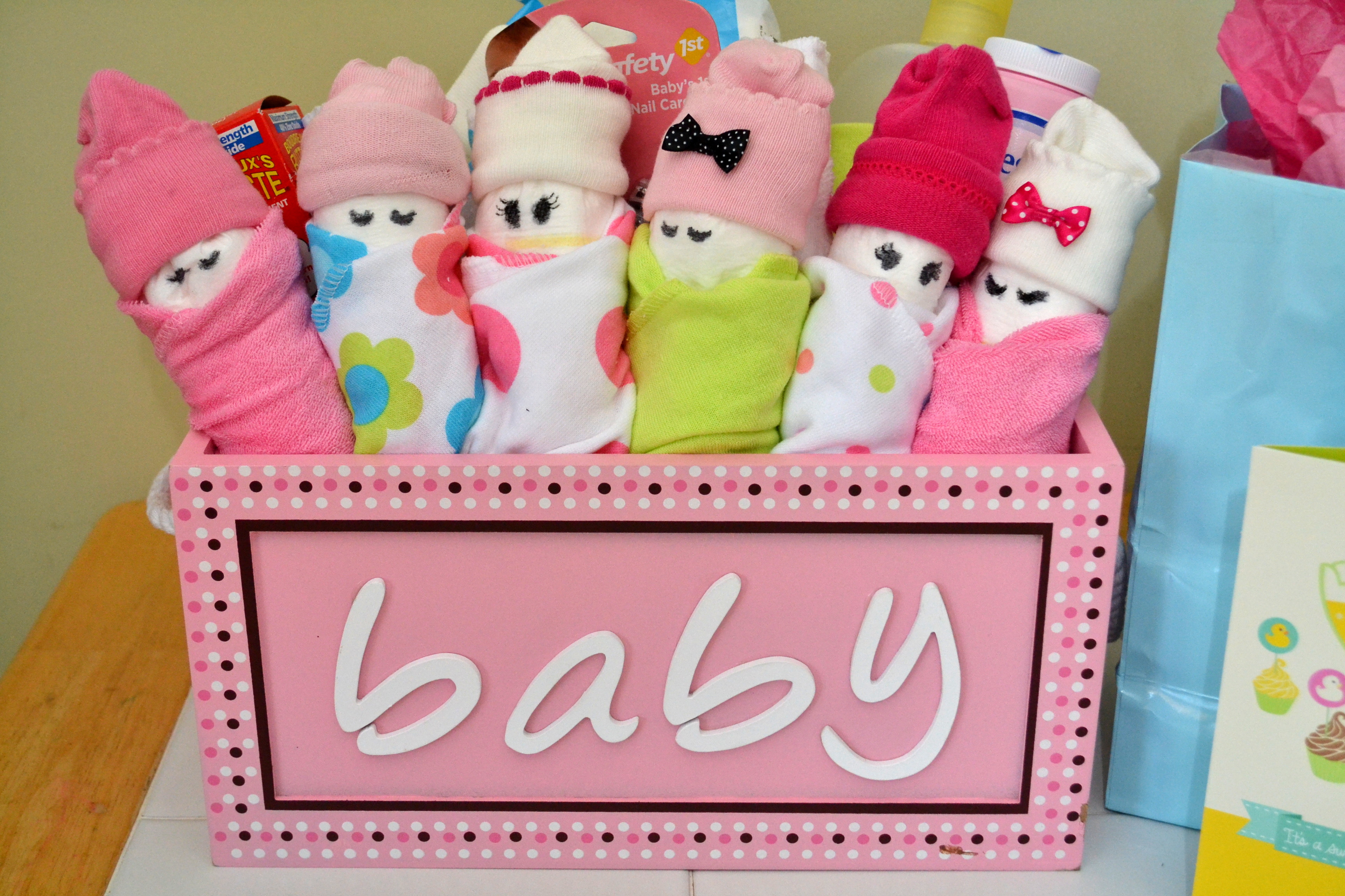 Gift Ideas For A Baby Shower  Essential Baby Shower Gifts & DIY Diaper Babies