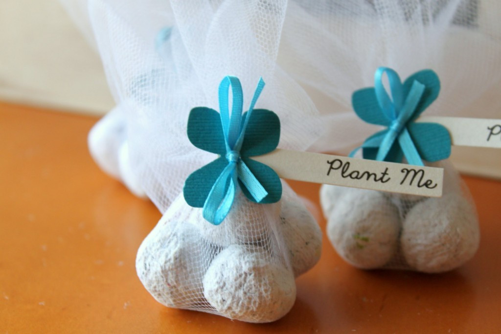Best ideas about Gift Ideas For A Wedding . Save or Pin Unique Wedding Gift Ideas for Guests Wedding and Bridal Now.