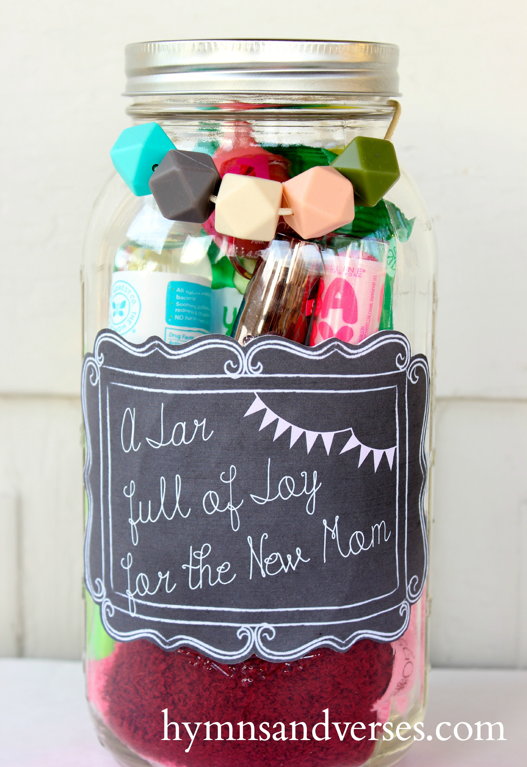 Gift Ideas For Mother To Be  10 Great DIY New Mom Gift Basket Ideas Meaningful Gifts