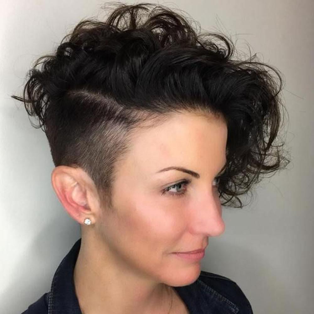 Girls Undercut Hairstyle  The Newest 2018 Undercut Hair Design for Girls – Pixie