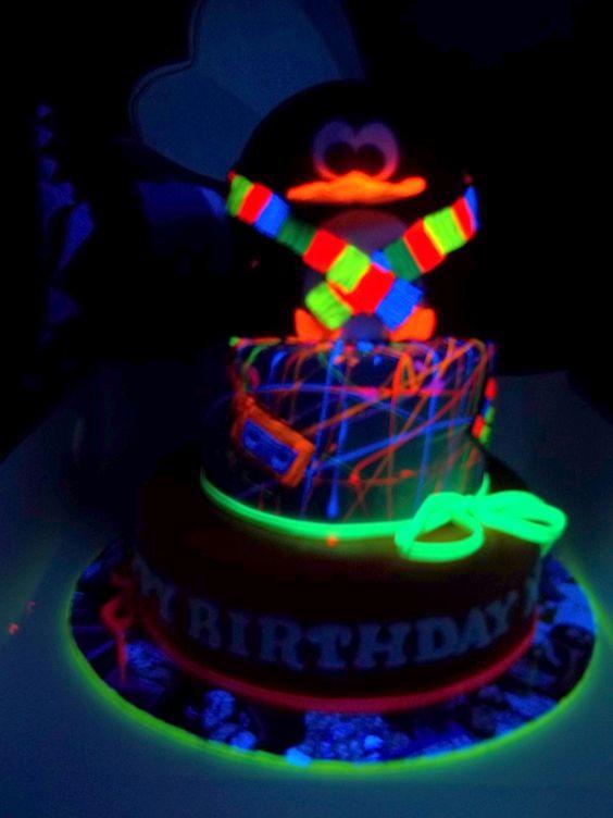 Glow In The Dark Birthday Cake  Glow in the dark cake Zoebday Pinterest