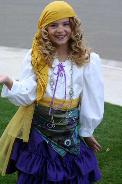 Gypsy Costumes DIY  Fortune Teller Costume – Bee In Our Bonnet