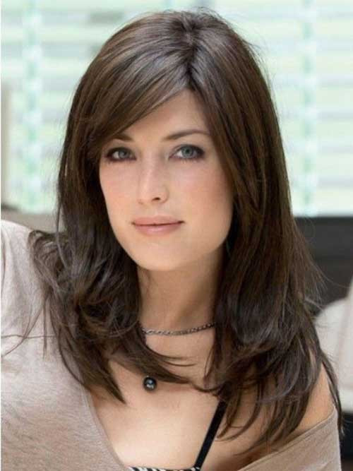 Haircuts For Oval Faces Female  20 Best Haircuts for Oval Face