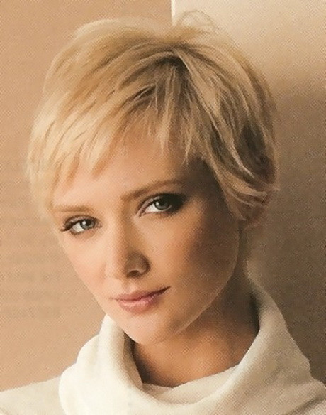 Haircuts For Thinning Hair Female  Short haircuts for women with thin hair