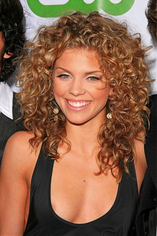 Hairstyles For Curly Thick Hair  20 Hairstyles For Thick Curly Hair Girls The Xerxes
