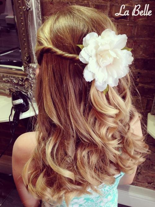 Hairstyles For Flower Girls  20 Flawless Flower Girl Hairstyles