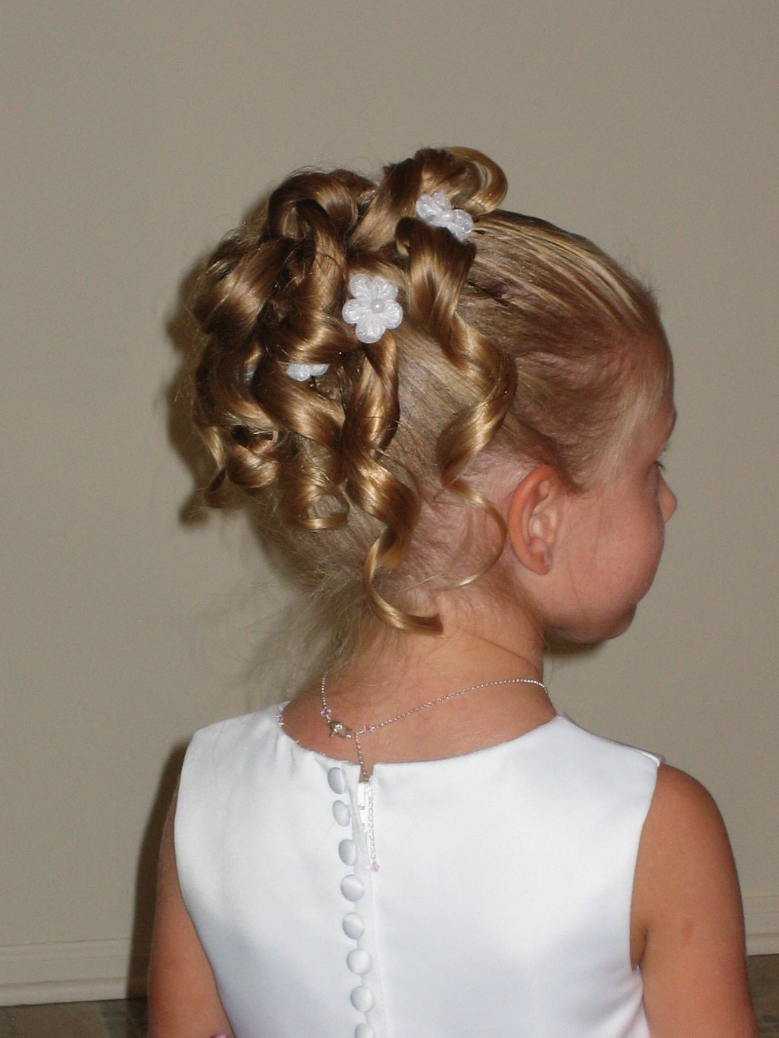Hairstyles For Flower Girls  Short Hairstyles for Flower Girls