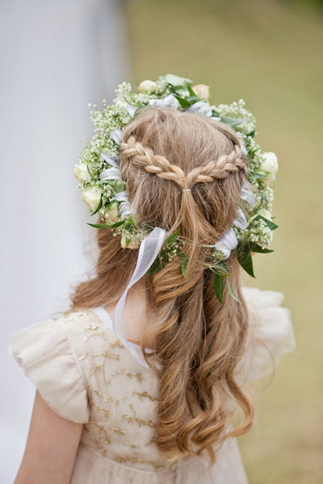 Hairstyles For Flower Girls  15 Gorgeous Flower Girl Hairstyles