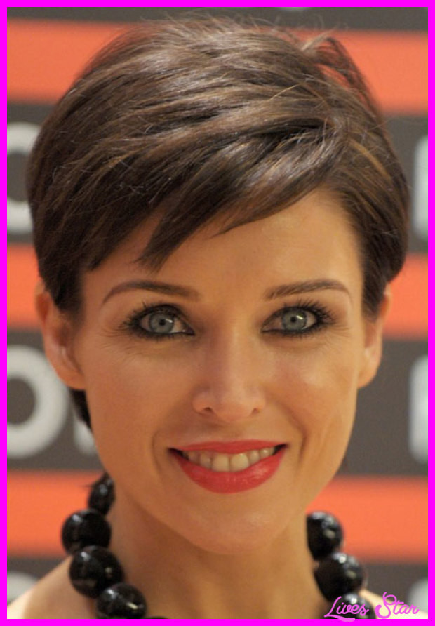 Hairstyles For Girls With Thick Hair  Short haircuts for women with thick hair LivesStar