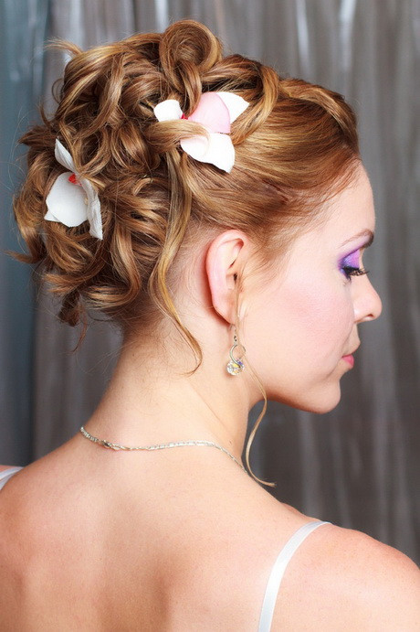 Hairstyles For Going To A Wedding  Nice hairstyles for a wedding