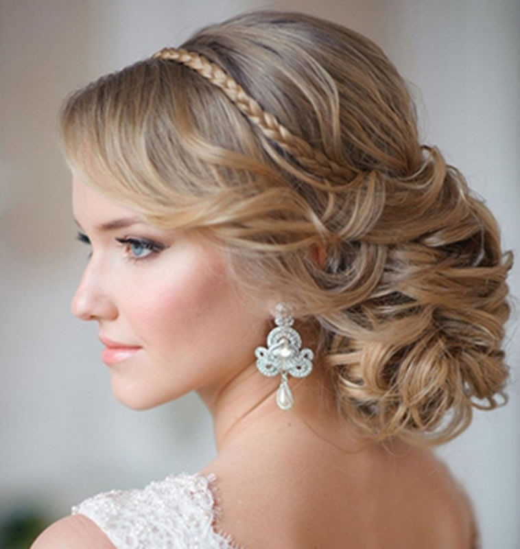 Hairstyles For Going To A Wedding  2018 Wedding Updo Hairstyles for Brides