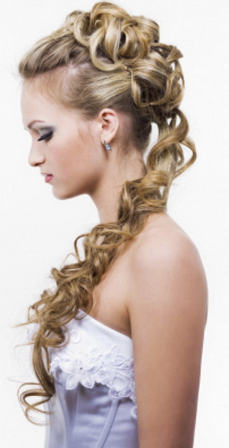Hairstyles For Going To A Wedding  Cute hairstyles for a wedding