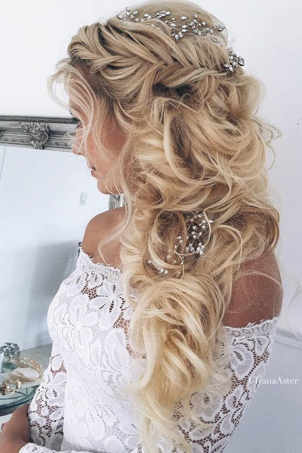 Hairstyles For Going To A Wedding  65 New Romantic Long Bridal Wedding Hairstyles to Try