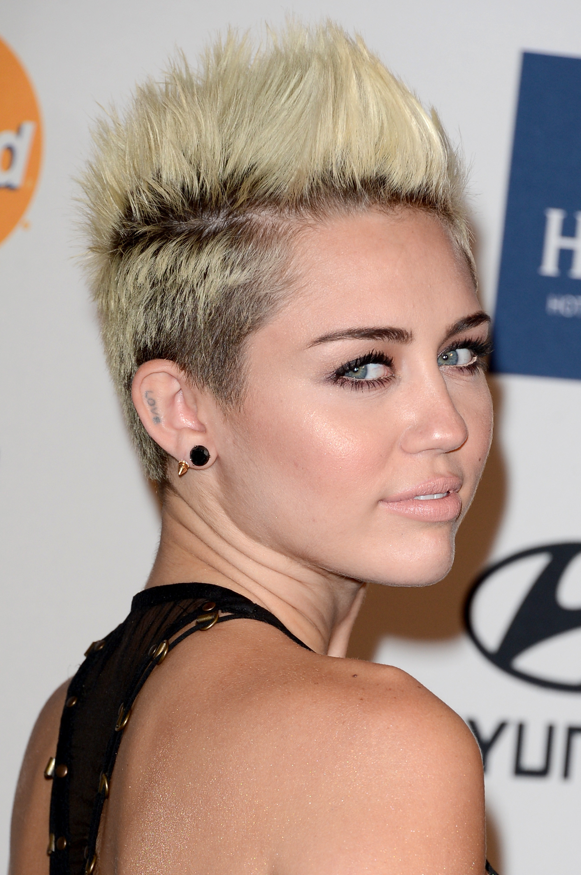 Hairstyles For Short Haircuts  25 Prom Hairstyles For Short Hair The Xerxes