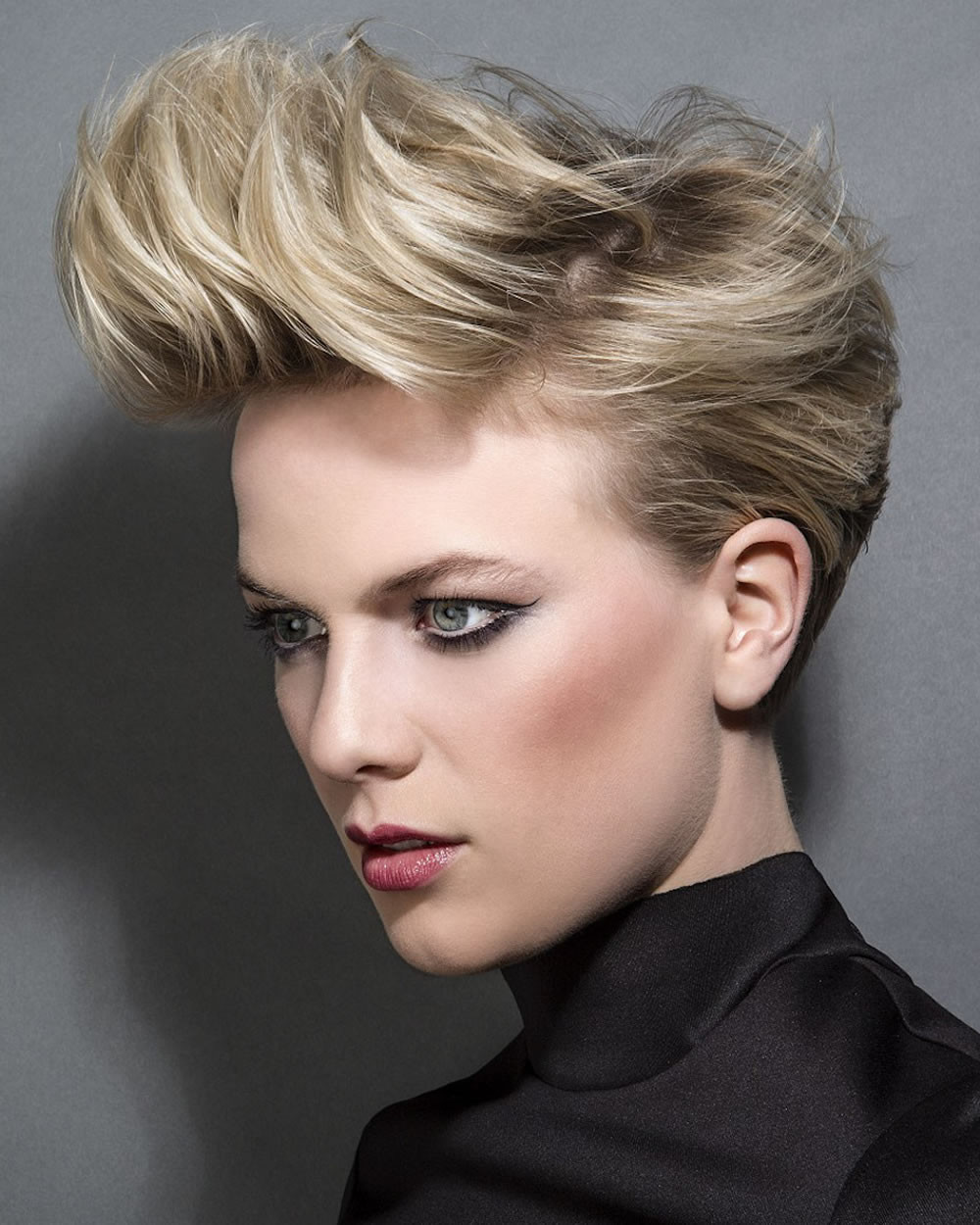 Hairstyles For Short Haircuts  2018 Hairstyles for Short Hair & Easy Fast Pixie and Bob