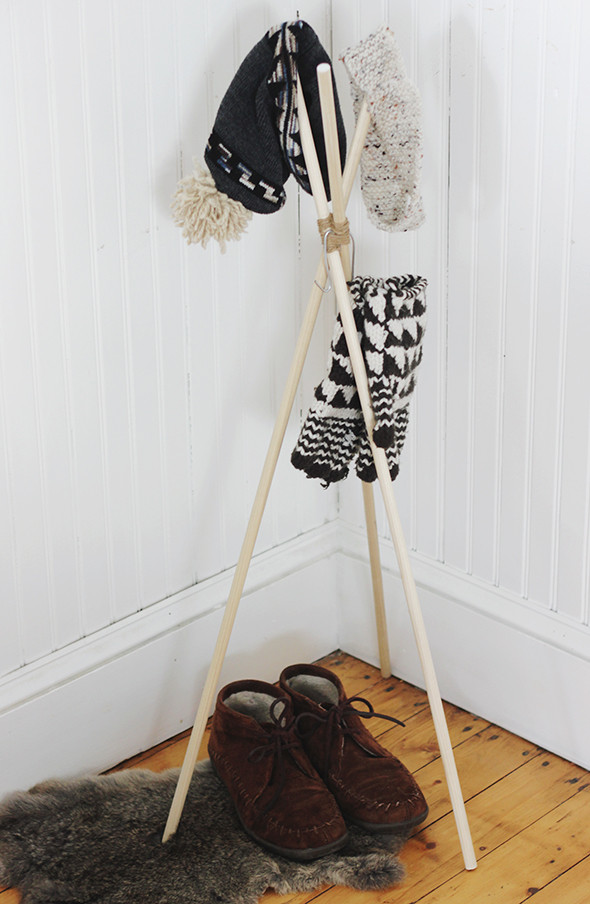 Best ideas about Hat Racks DIY . Save or Pin DIY Standing Hat Rack Say Yes Now.