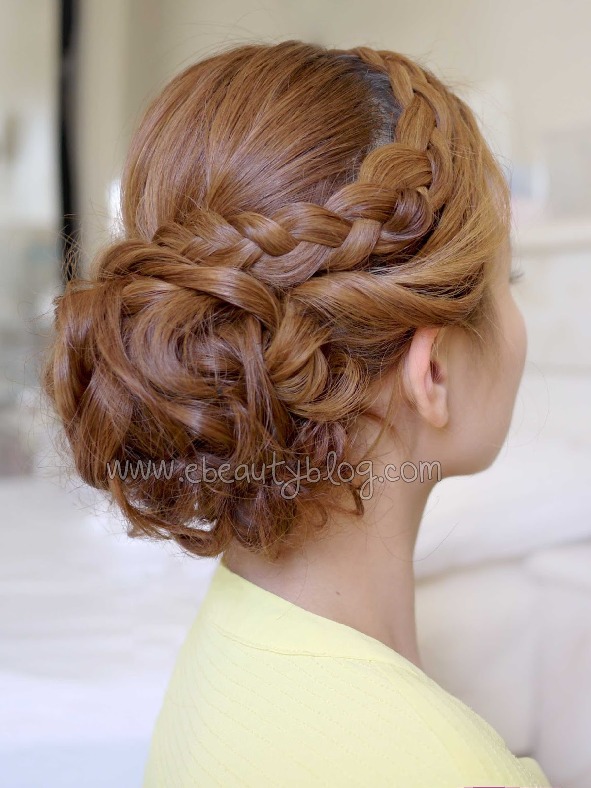 Homecoming Hairstyles For Medium Hair  Curly prom hairstyles for medium hair Hairstyle for