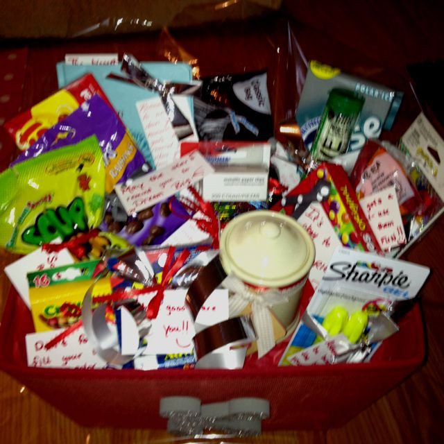 Inexpensive High School Graduation Gift Ideas  Best 25 Graduation t baskets ideas on Pinterest