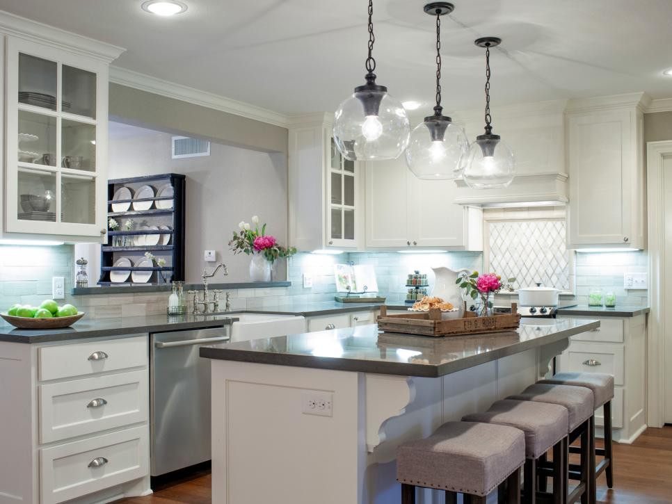 Best ideas about Joanna Gaines Kitchen Ideas . Save or Pin 9 Fixer Upper Joanna Gaines Farm House Kitchens that You Now.
