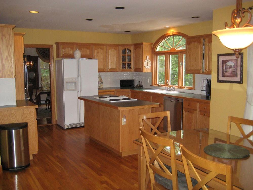 Best ideas about Kitchen Paint Colors With Oak Cabinets . Save or Pin Best Kitchen Paint Colors With Oak Cabinets My Kitchen Now.
