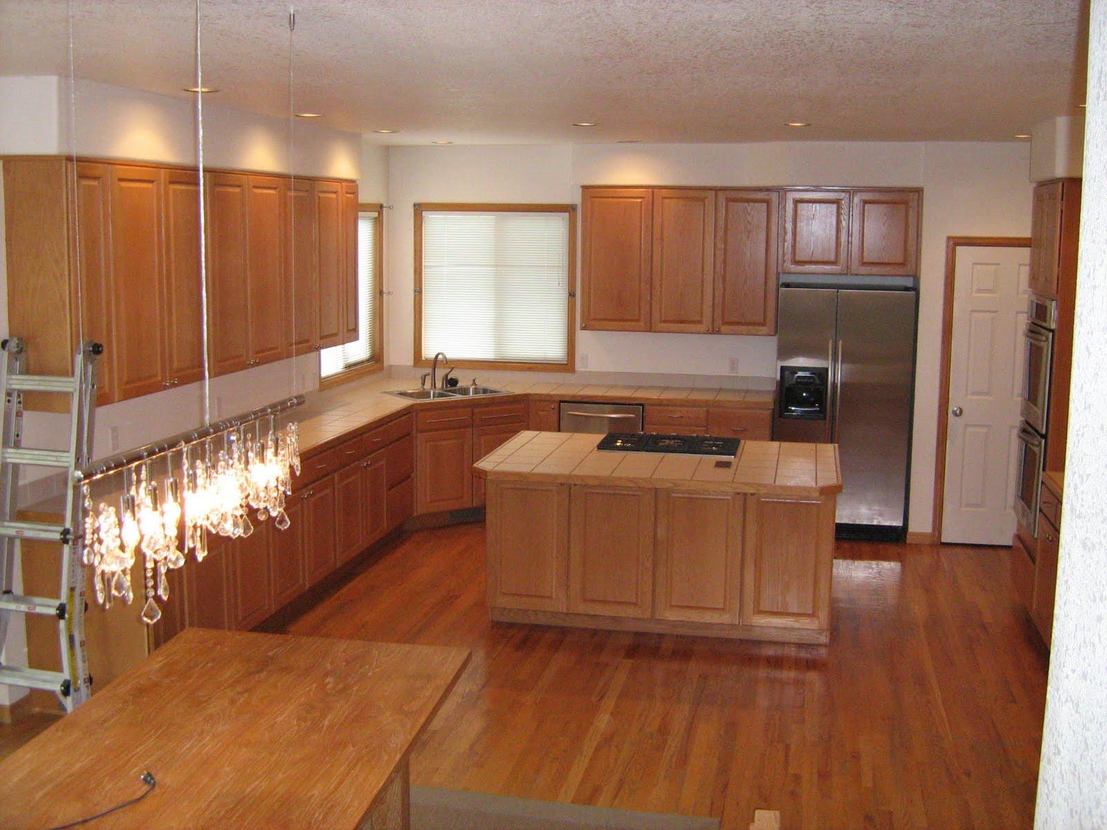 Best ideas about Kitchen Paint Colors With Oak Cabinets . Save or Pin Kitchen Paint Colors With Oak Cabinets Ideas Now.