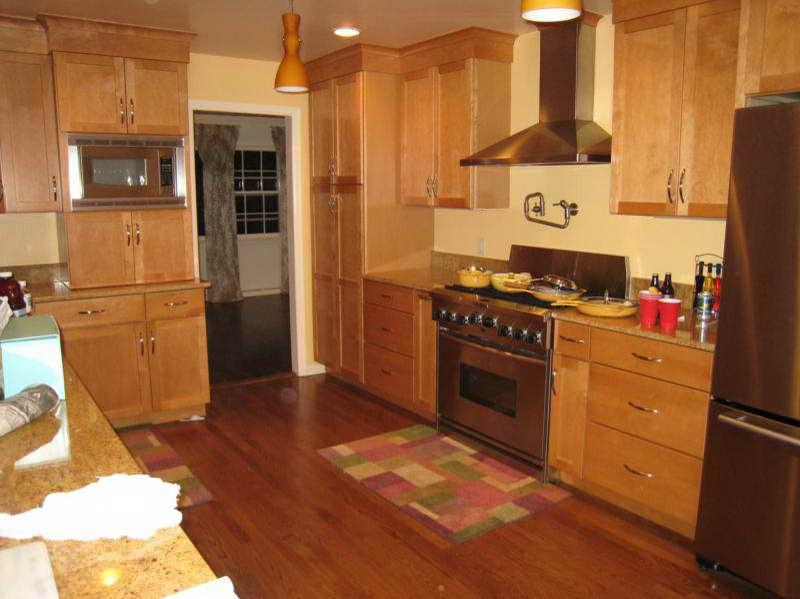 Best ideas about Kitchen Paint Colors With Oak Cabinets . Save or Pin Kitchen Color Ideas With Oak Cabinets Now.