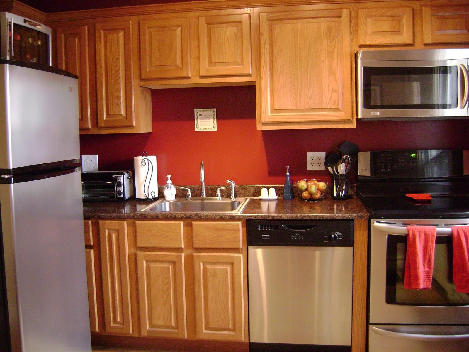 Best ideas about Kitchen Paint Colors With Oak Cabinets . Save or Pin Kitchen Paint With Oak Cabinets Ideas — Railing Stairs and Now.