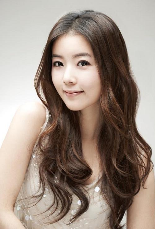 Korean Hairstyle Female 2019  2019 Latest Korean Women Hairstyles For Long Hair