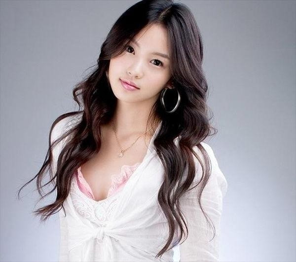 Korean Hairstyles Female  15 Best Collection of Long Hairstyles Korean Actress