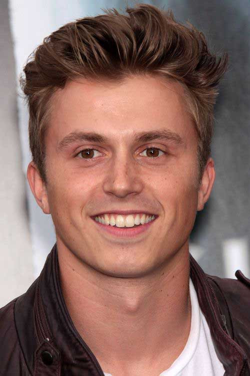 Male Hairstyle For Round Face  15 Hairstyles for Men with Round Faces