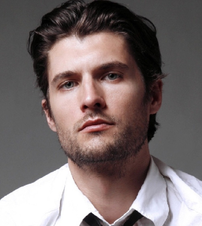 Male Hairstyle For Round Face  Men s Hairstyles for Round Faces