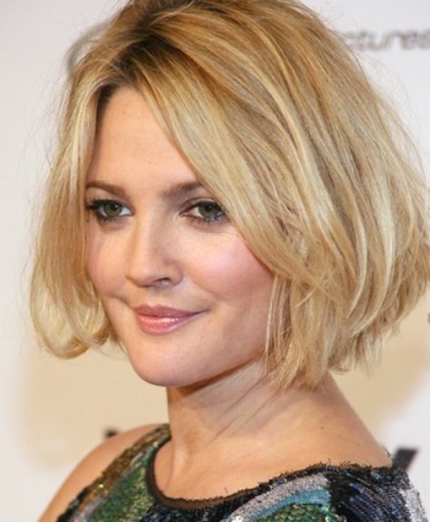 Medium Haircuts For Fat Faces  50 Most Flattering Hairstyles for Round Faces Fave