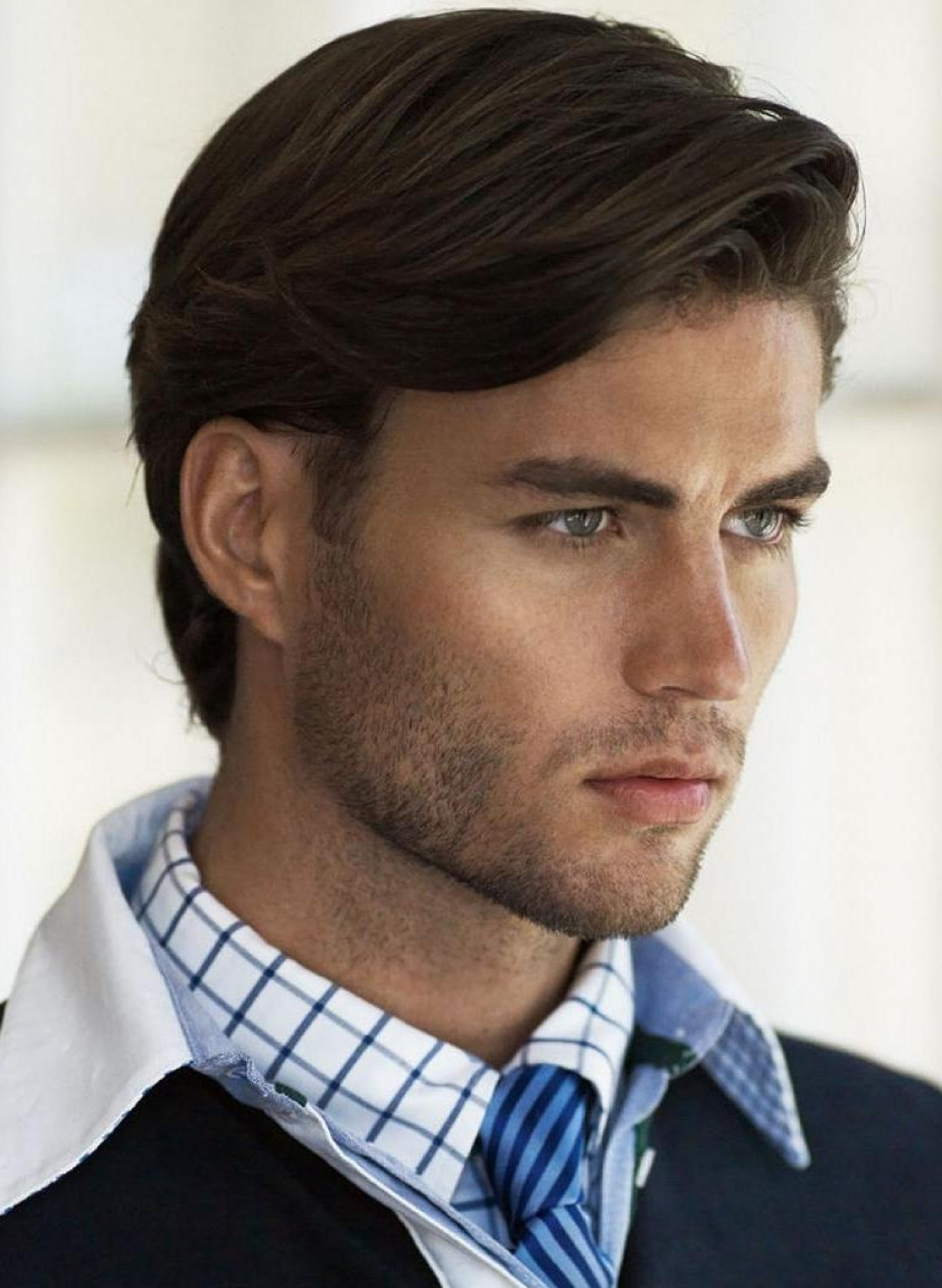 Medium Haircuts Men  Straight Medium Hairstyles Men