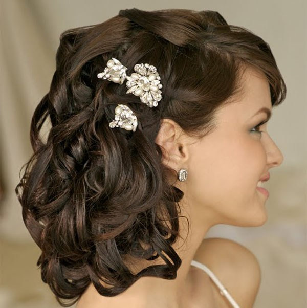 Medium Length Bridesmaid Hairstyles  24 Stunning and Must Try Wedding Hairstyles Ideas For