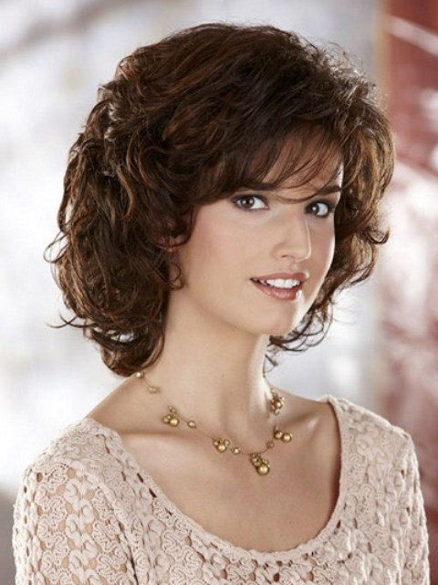 Medium Length Curly Hairstyles  Trendy Medium Length Hairstyles for Round Faces – PICTURES