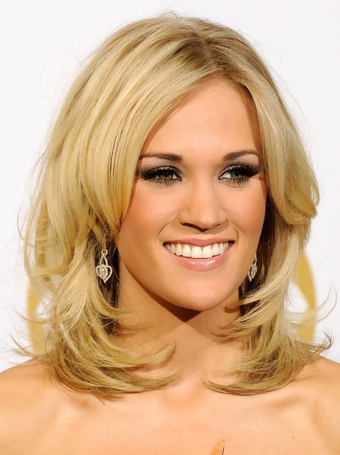 Medium Length Hairstyles Layered  36 Carrie Underwood Hairstyles Carrie Underwood Hair