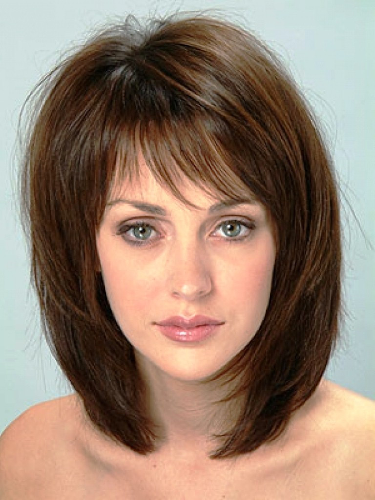 Medium Length Hairstyles Thick Hair  20 Medium Hairstyles for Round Faces Tips MagMent