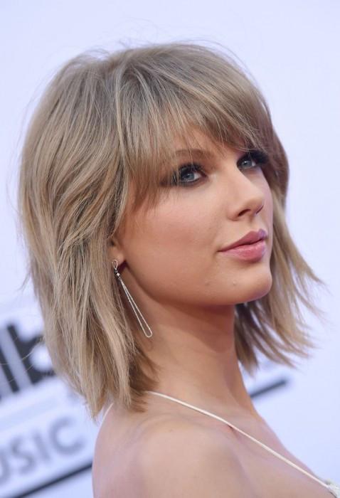 Medium Length Hairstyles Thick Hair  10 Medium Length Haircuts for Thick Hair