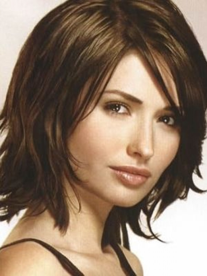 Medium Length Hairstyles Thick Hair  30 Beautiful Medium Hairstyle to Try Now
