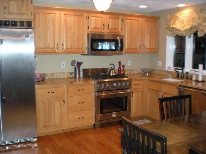 Best ideas about Oak Cabinets Kitchen Ideas . Save or Pin Miscellaneous Kitchen Color Ideas with Oak Cabinets Now.