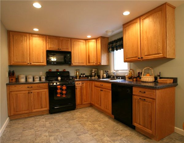 Best ideas about Oak Cabinets Kitchen Ideas . Save or Pin Kitchen Image Kitchen & Bathroom Design Center Now.