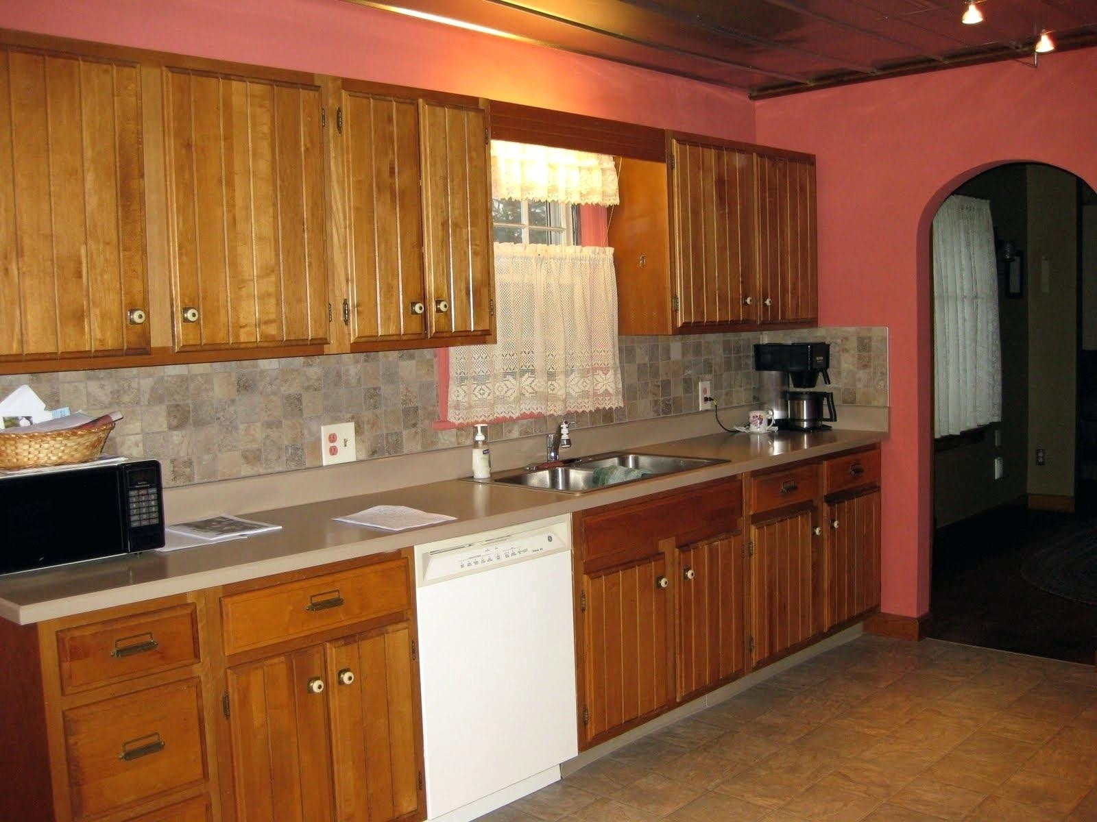 Best ideas about Oak Cabinets Kitchen Ideas . Save or Pin Kitchen Paint With Oak Cabinets Ideas — Railing Stairs and Now.