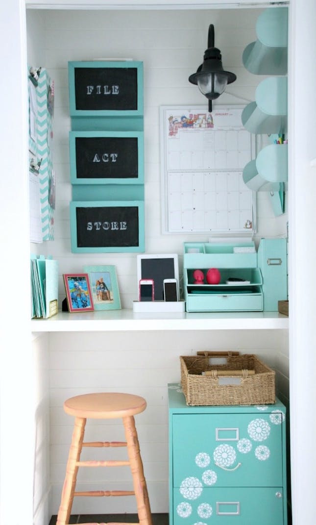 Best ideas about Organizing A Small Office Space . Save or Pin 12 Big Ideas for Small Space Home fices Now.